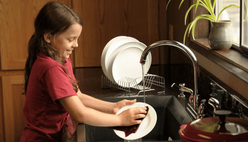Do Chores Benefit Children_-min
